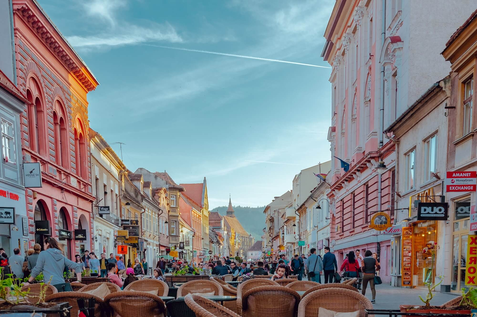 Travel Guide to Romania: From Quaint Towns to Charming Cities