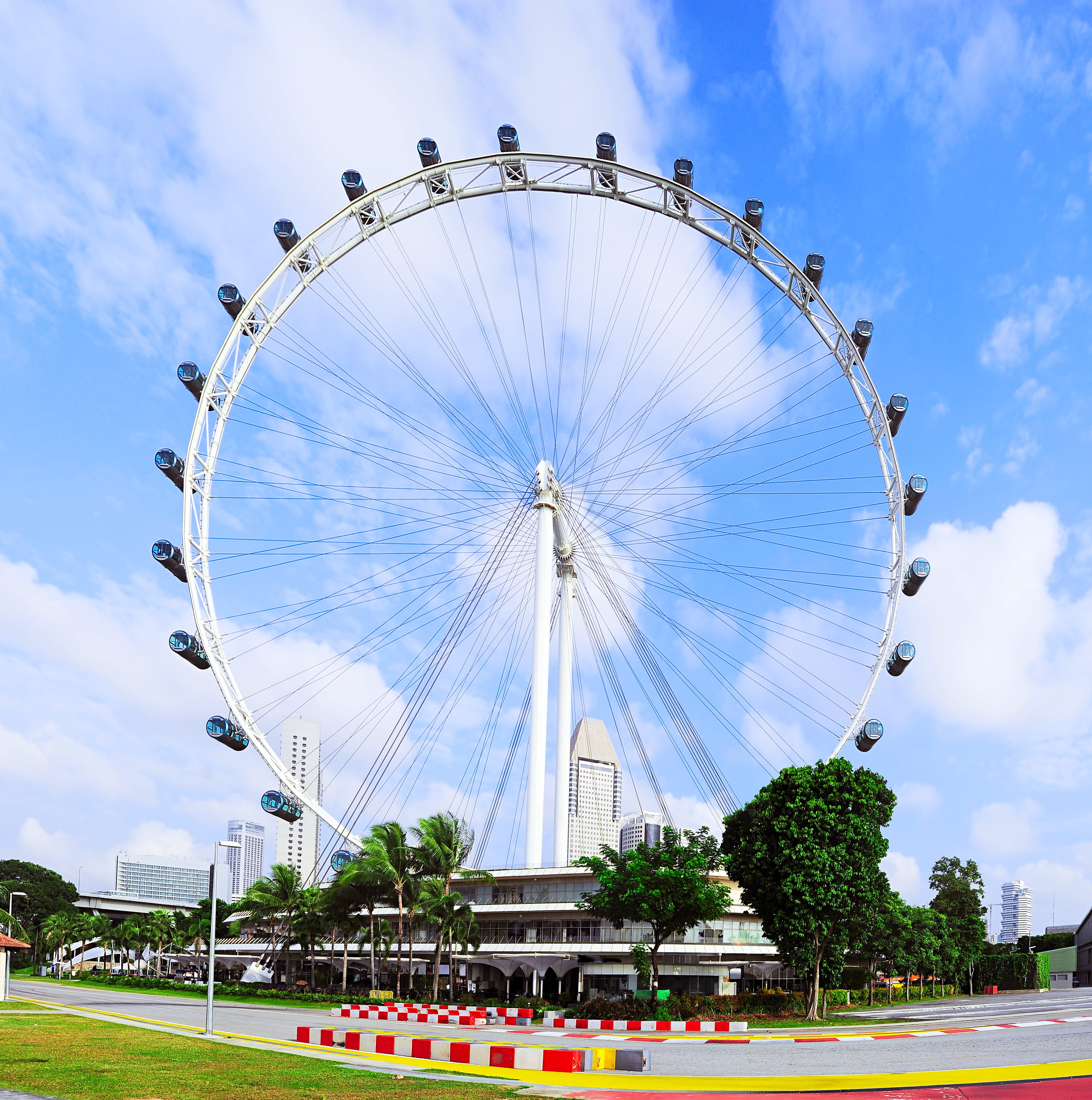 Top 4 Reasons to Visit Singapore