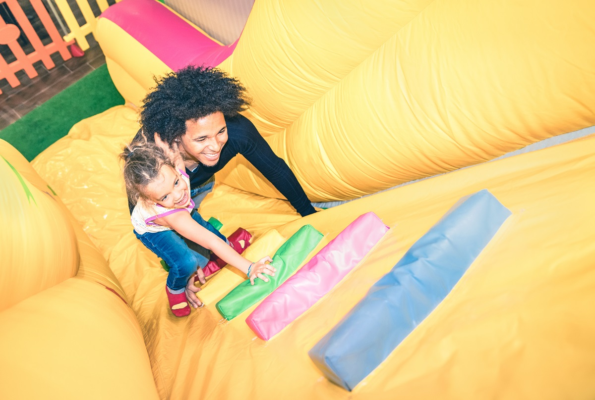 Fun for Everyone: Throwing a Party That's Enjoyable for Kids and Adults